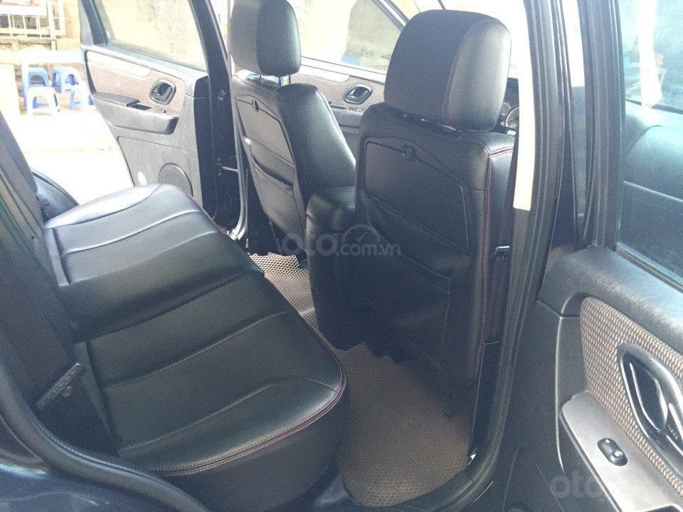 Bán Ford Escape XLS 2010, số tự động, màu đen (5)