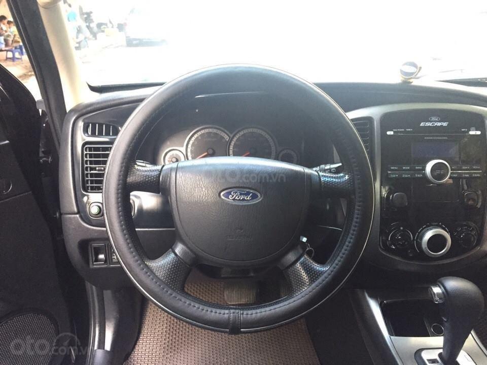 Bán Ford Escape XLS 2010, số tự động, màu đen (4)