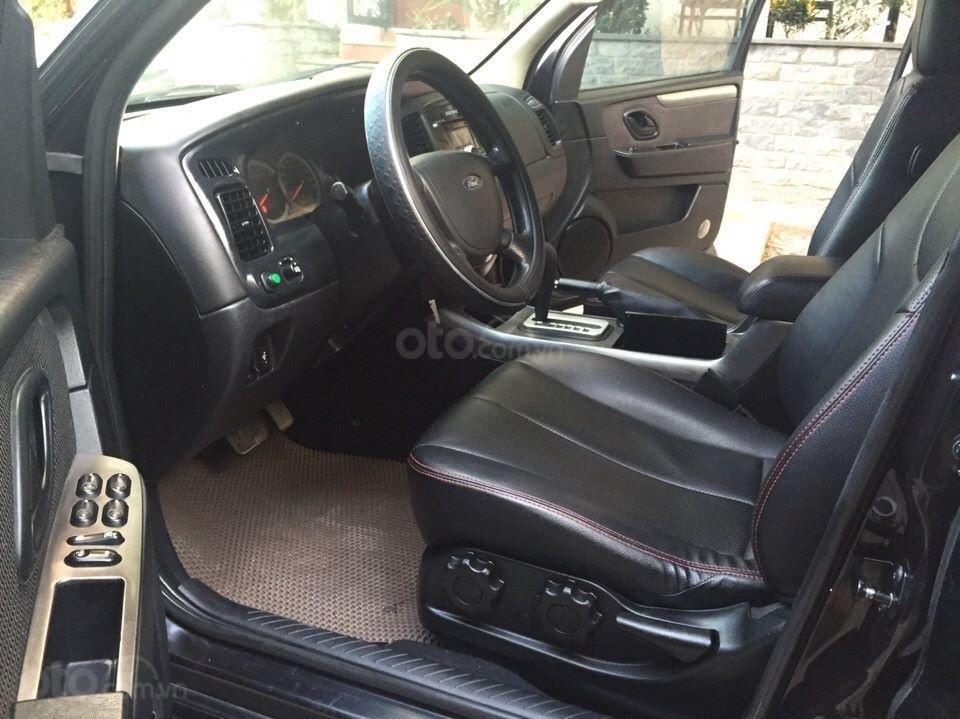 Bán Ford Escape XLS 2010, số tự động, màu đen (8)