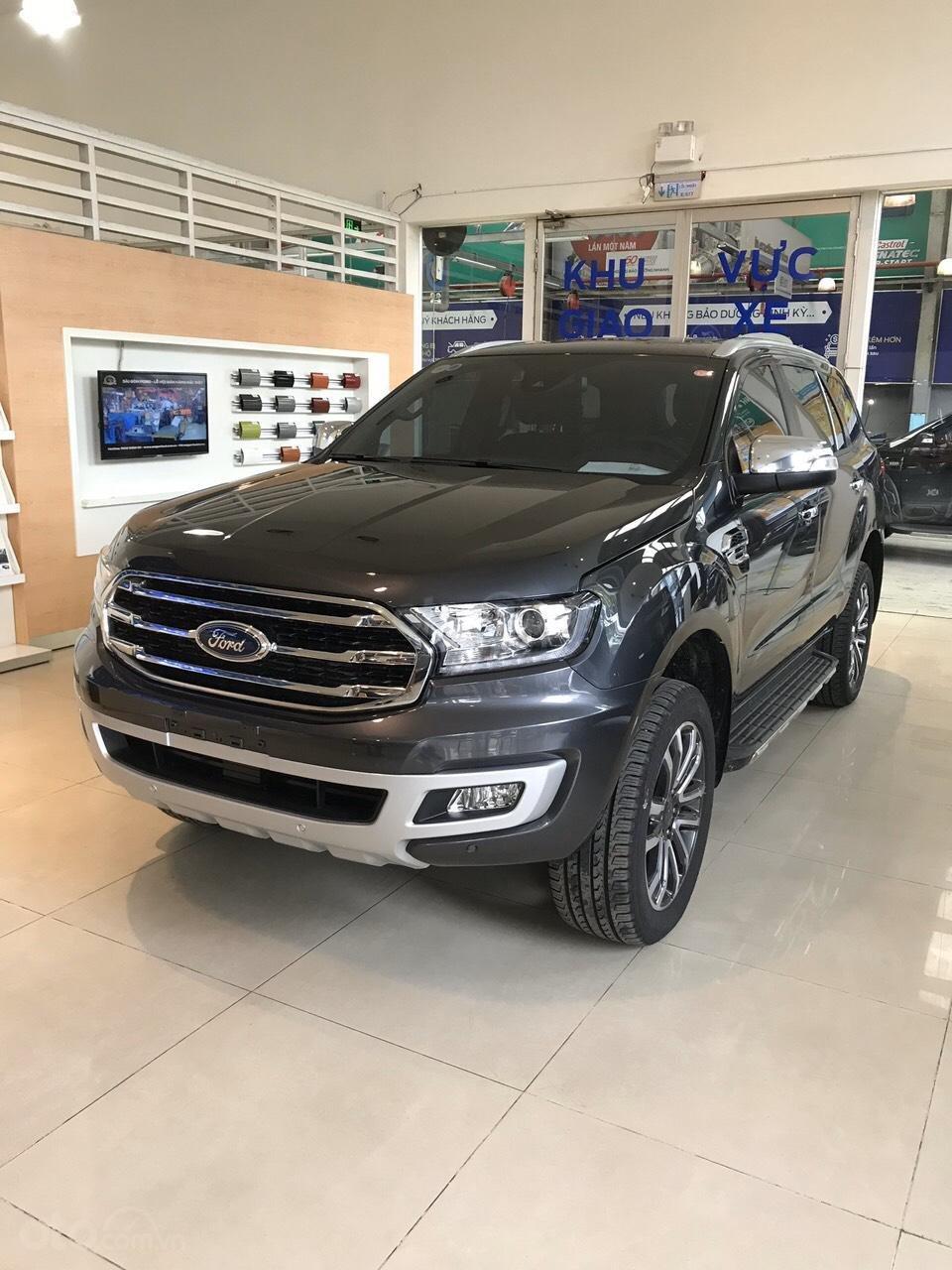 Bán Ford Everest 2019 nhập khẩu - đủ màu, giao ngay, khuyến mãi hấp dẫn, LH: 0908812444 (2)