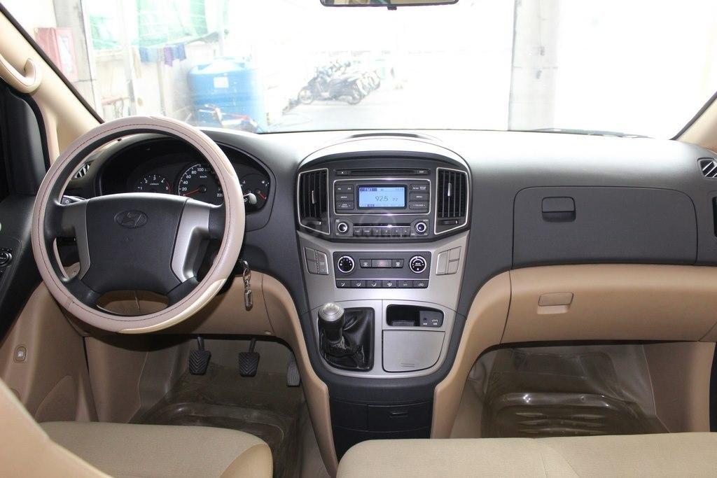 Hyundai Starex 2.5MT 2016, bao chạy cho kinh doanh (9)