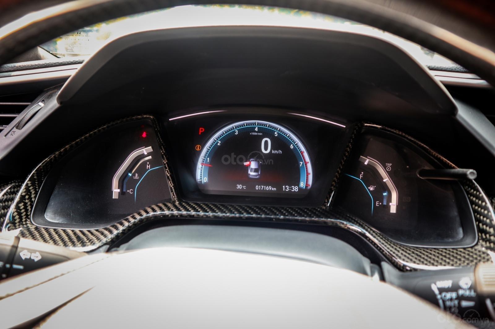 Honda Civic 1.5L VTEC Turbo sản xuất 2017, màu đen (16)