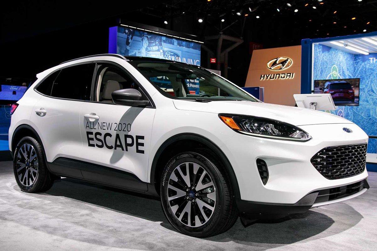 Phân biệt xe Ford Escape 2020 và đời cũ qua ảnh a7