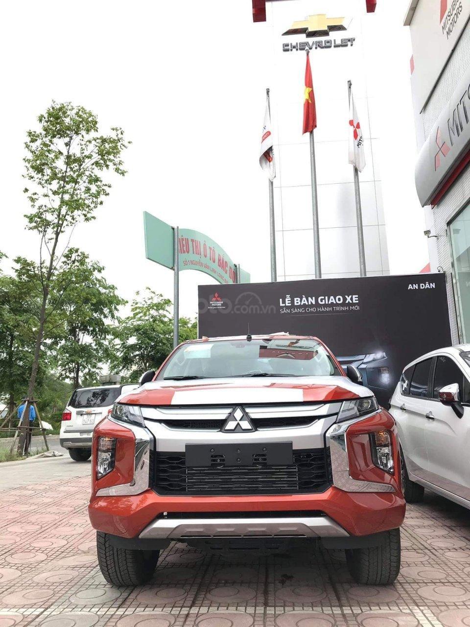 Mitsubishi Triton 2019, km BHVC 1 năm (hoặc nắp thùng) và camera lùi, trả góp 80%, call: 09 161 242 68 (1)