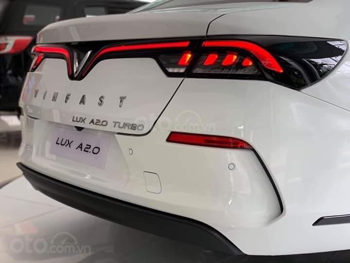 Ưu đãi cực lớn xe VinFast Lux A2.0, đời 2019 tại khu vực miền Tây (7)