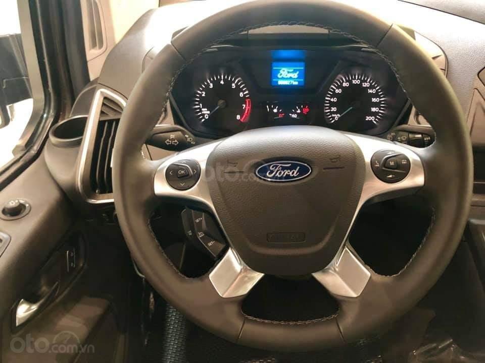 Ford Tourneo Titanium 2.0L Ecoboost 2019, màu nâu - Nội thất rộng rãi, giao xe tháng 11 (6)