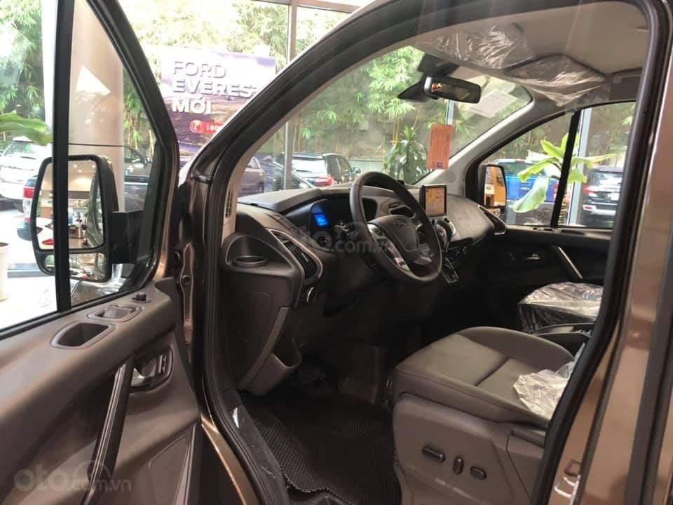 Ford Tourneo Titanium 2.0L Ecoboost 2019, màu nâu - Nội thất rộng rãi, giao xe tháng 11 (11)