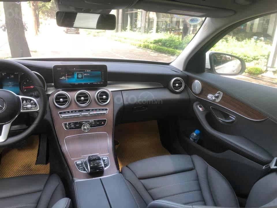 Bán Mercedes C200 Exclusive màu trắng 2019 (9)