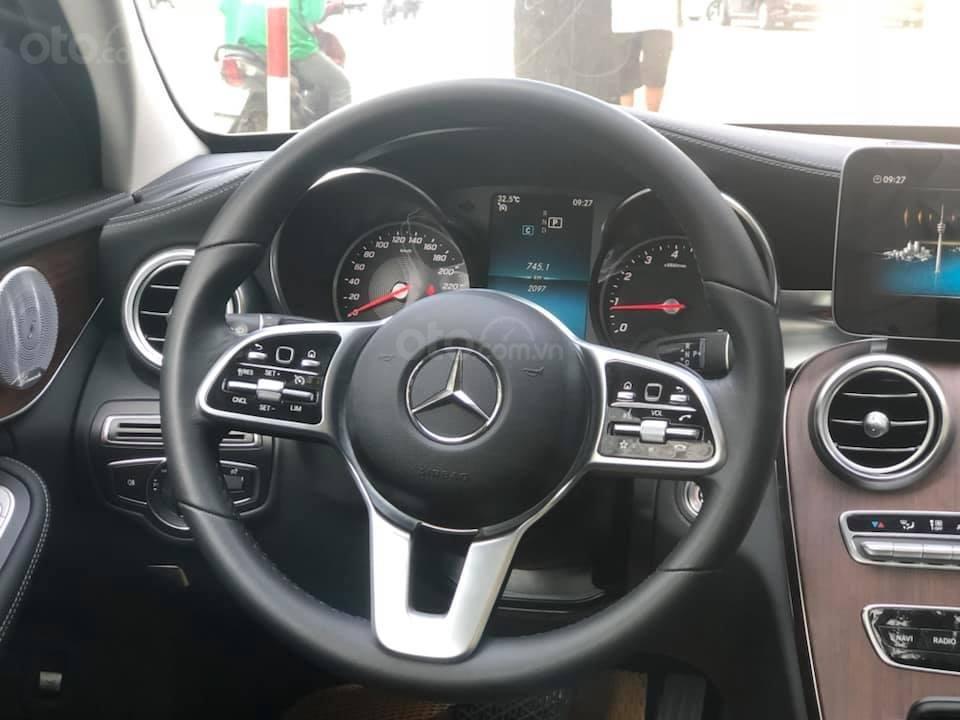 Bán Mercedes C200 Exclusive màu trắng 2019 (3)