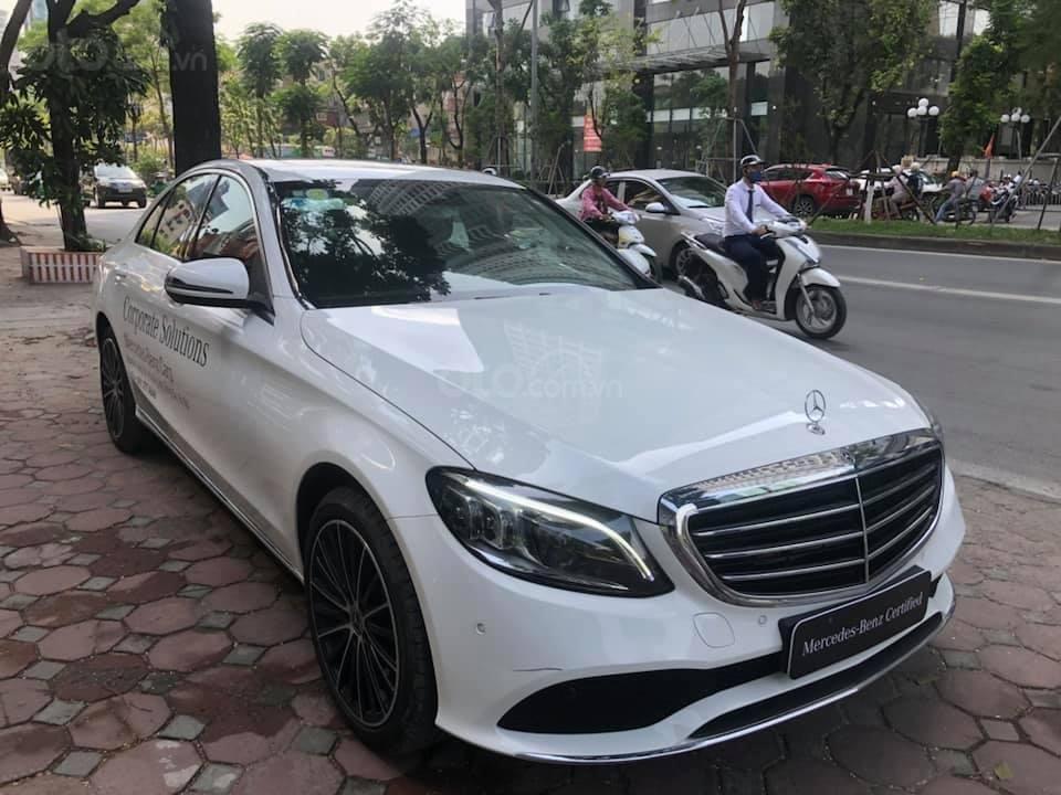 Bán Mercedes C200 Exclusive màu trắng 2019 (8)