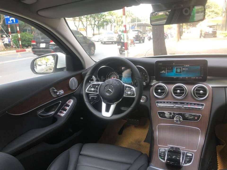 Bán Mercedes C200 Exclusive màu trắng 2019 (5)