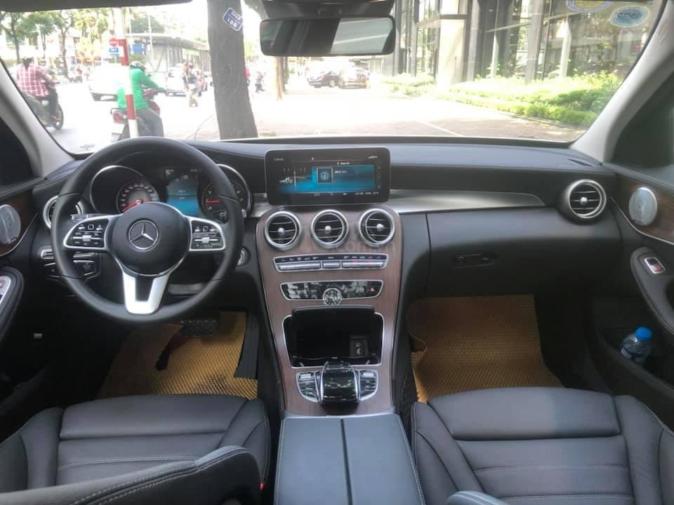 Bán Mercedes C200 Exclusive màu trắng 2019 (6)