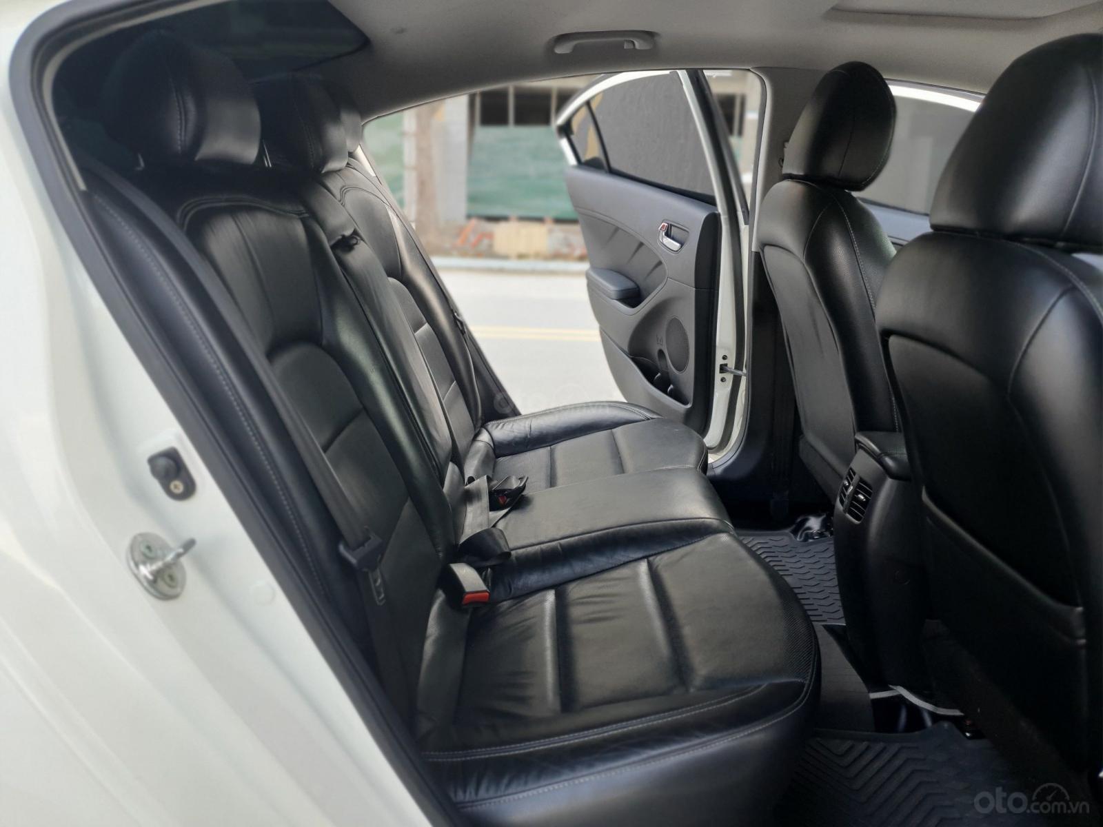 Cần bán lại xe Kia K3 2.0 2014, màu trắng, chất lượng đã được kiểm định (9)