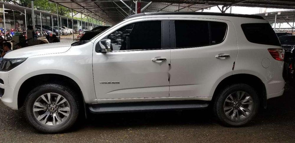 Bán xe Chevrolet Trailblazer đời 2018, màu trắng, xe nhập (3)