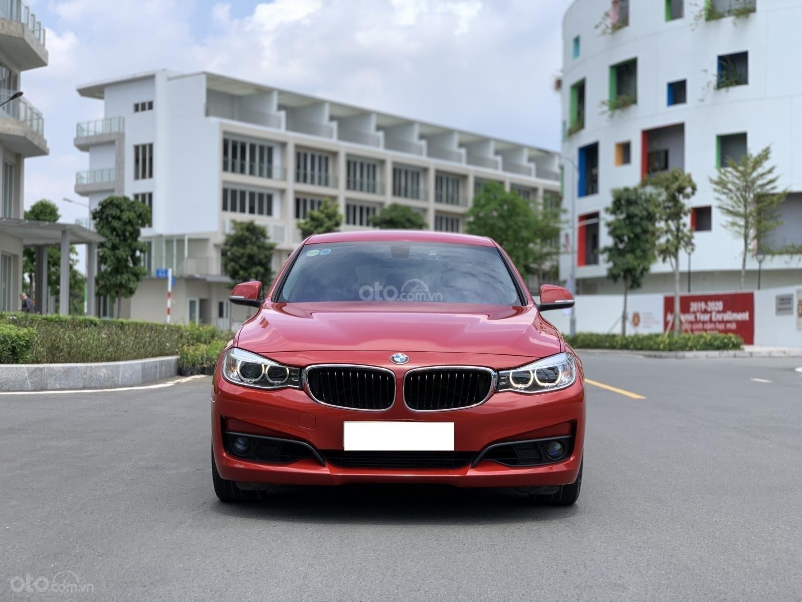 Cần bán BMW 3 Series 328i GT năm sản xuất 2015, màu đỏ/kem nhập khẩu nguyên chiếc (1)