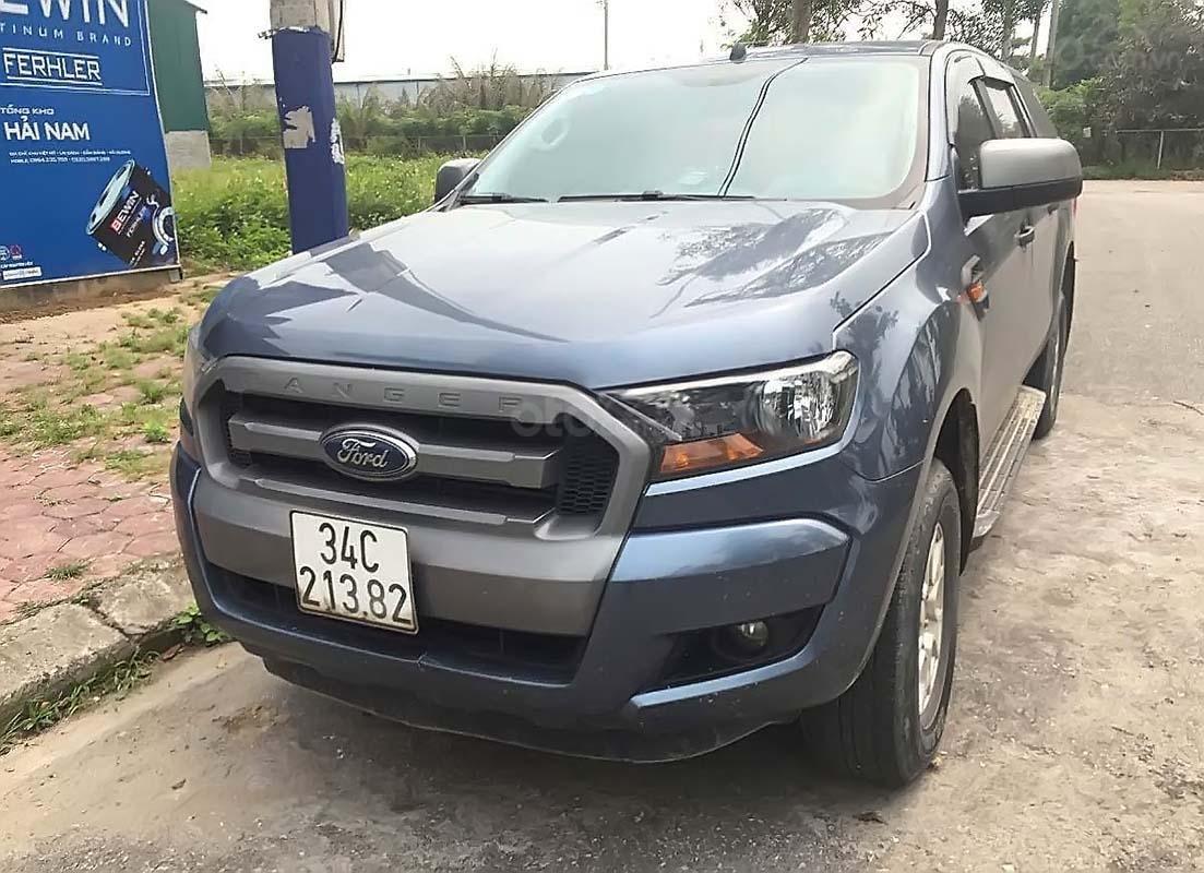 Chính chủ bán xe Ford Ranger XLS AT đời 2016, màu xanh lam, nhập khẩu nguyên (1)