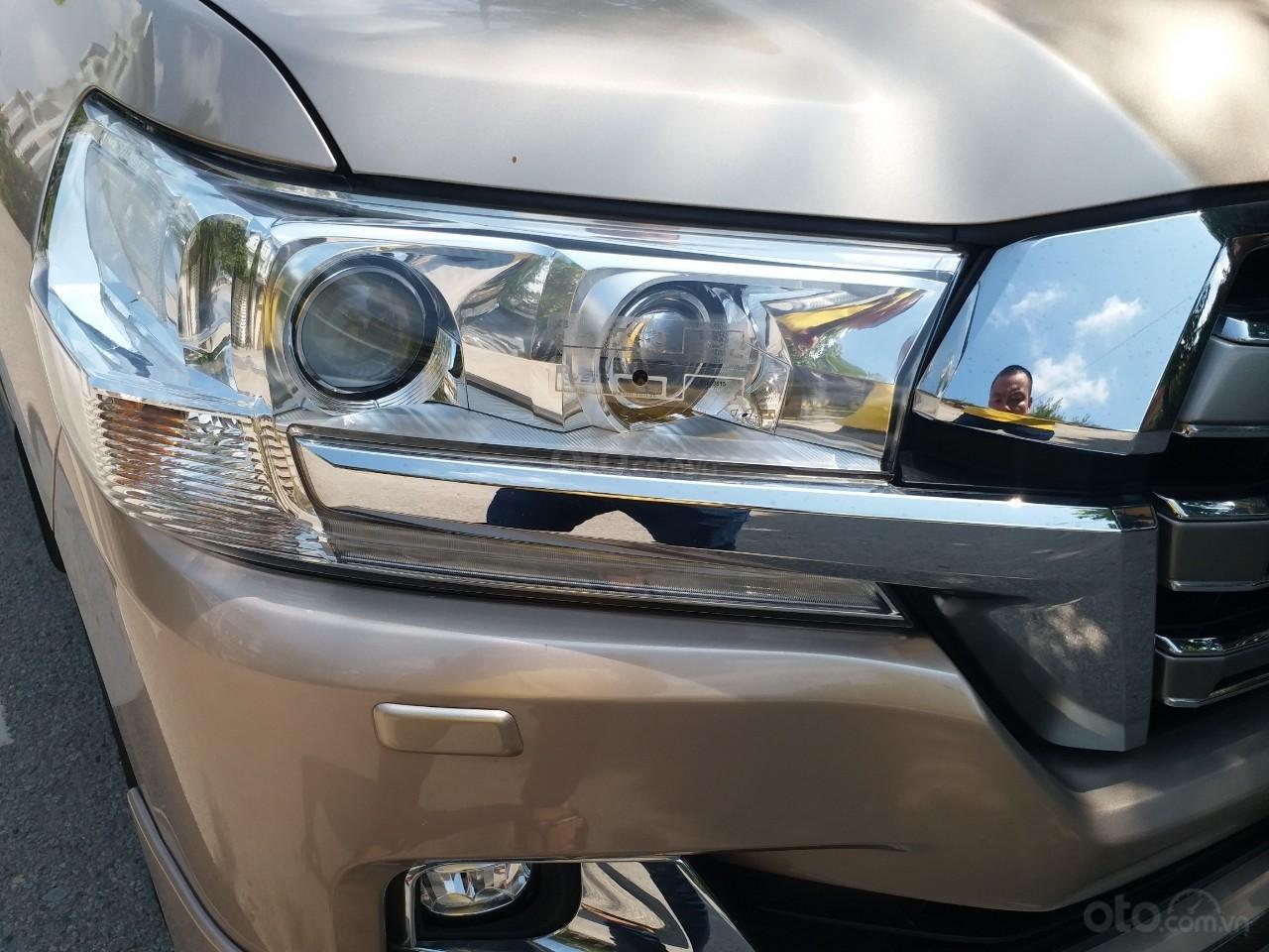 Bán Toyota Land Cruiser VX 4.6 nhập Nhật Bản màu vàng, sản xuất 2016, biển Hà Nội (3)
