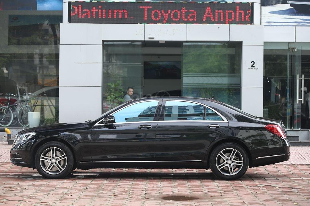 Cần bán xe Mercedes S400 năm sản xuất 2016, màu đen nội thất nâu (2)