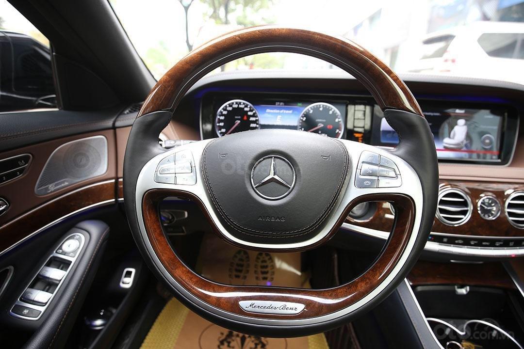 Cần bán xe Mercedes S400 năm sản xuất 2016, màu đen nội thất nâu (4)
