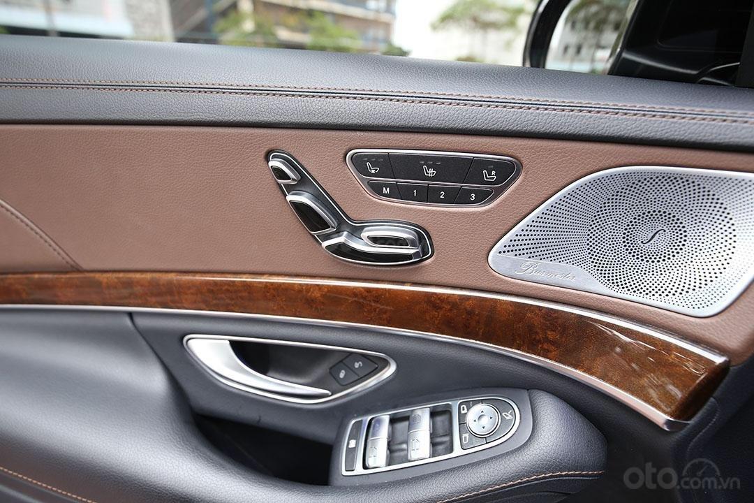 Cần bán xe Mercedes S400 năm sản xuất 2016, màu đen nội thất nâu (5)