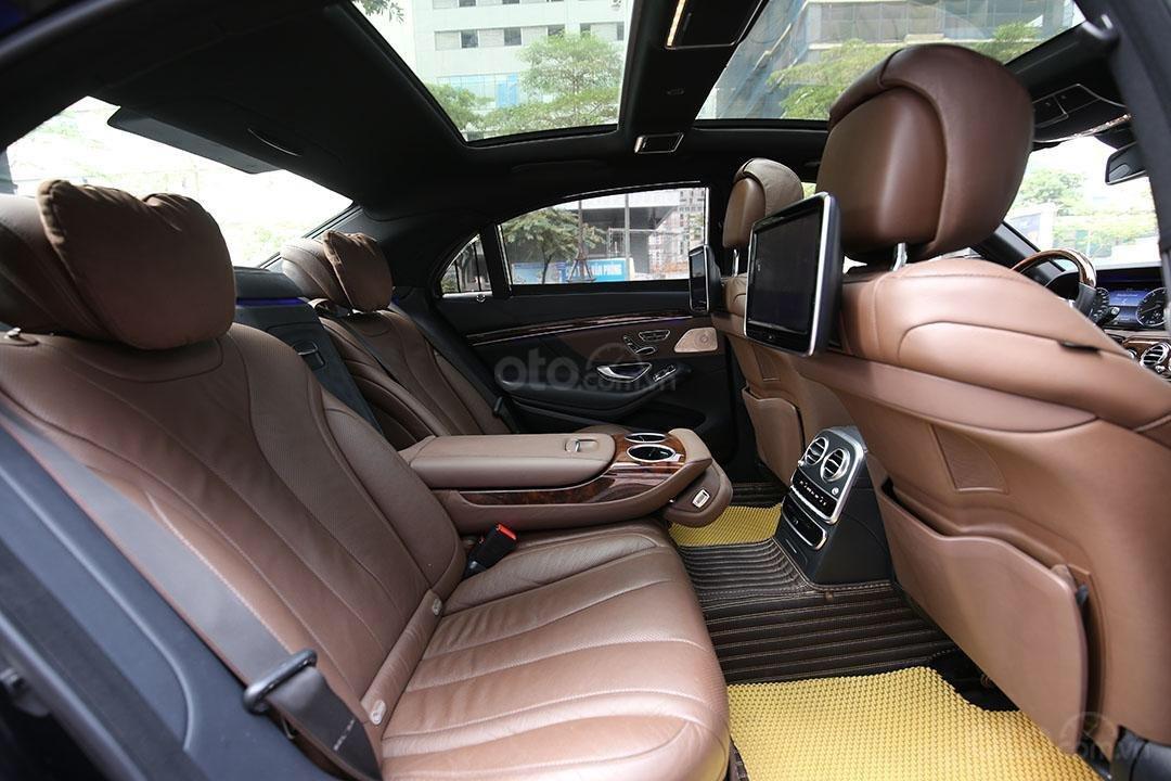 Cần bán xe Mercedes S400 năm sản xuất 2016, màu đen nội thất nâu (7)