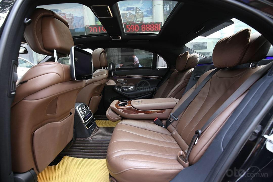 Cần bán xe Mercedes S400 năm sản xuất 2016, màu đen nội thất nâu (10)