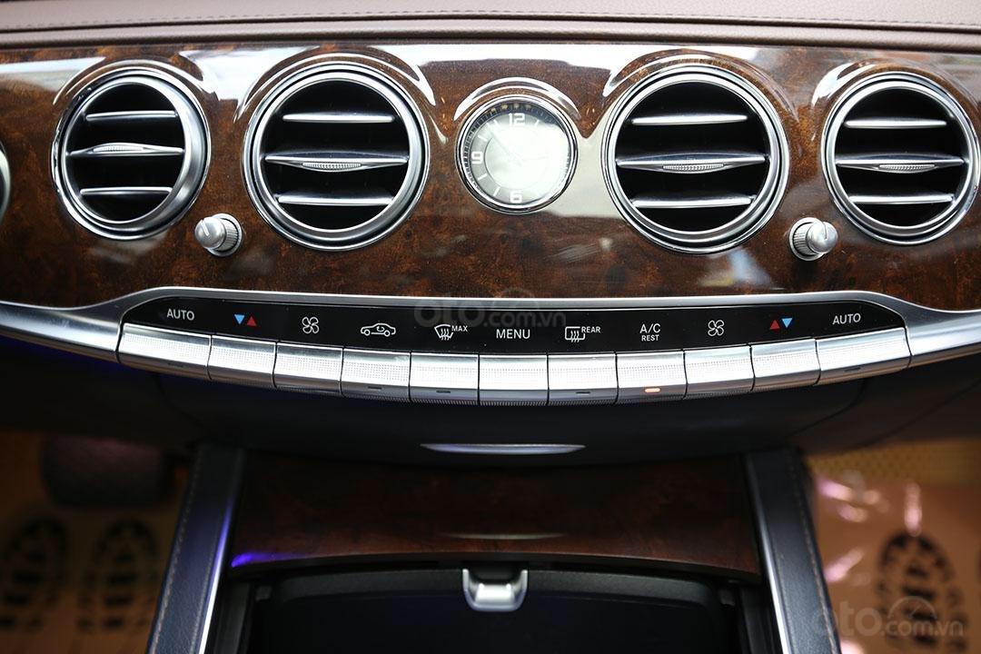 Cần bán xe Mercedes S400 năm sản xuất 2016, màu đen nội thất nâu (11)