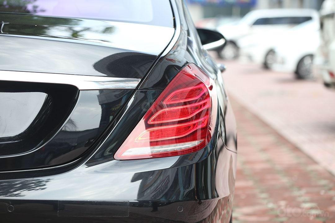 Cần bán xe Mercedes S400 năm sản xuất 2016, màu đen nội thất nâu (13)