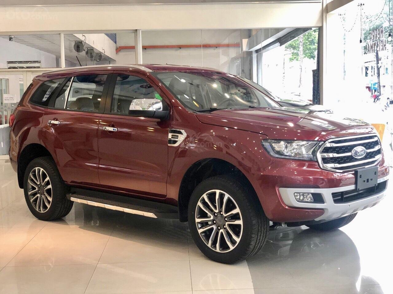 Ford Everest khuyến mãi khủng tặng kèm phụ kiện chính hãng (2)