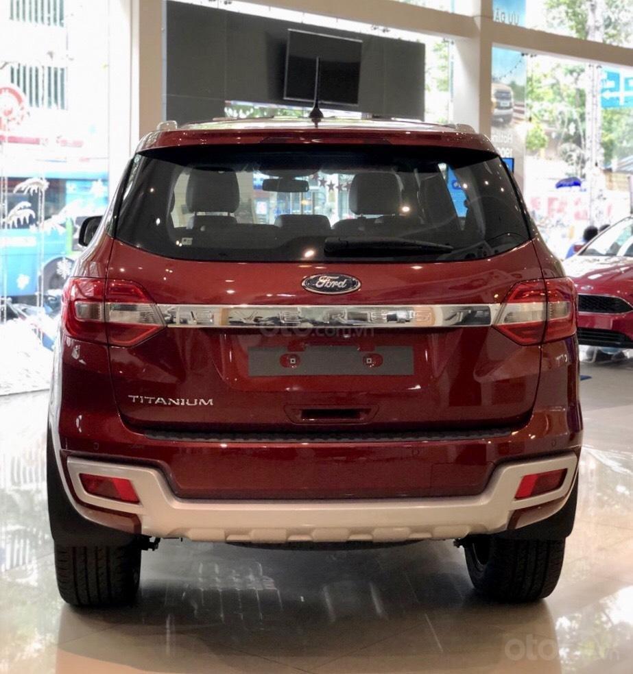 Ford Everest khuyến mãi khủng tặng kèm phụ kiện chính hãng (10)