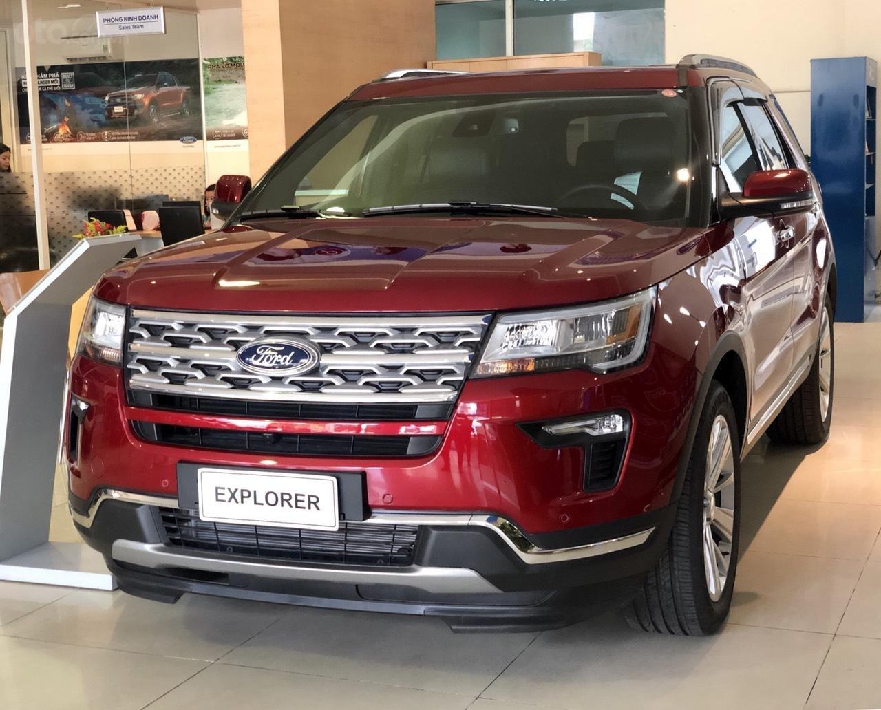 Ford Explorer Ecoboost Limited khuyến mãi khủng tặng phụ kiện giá trị (1)