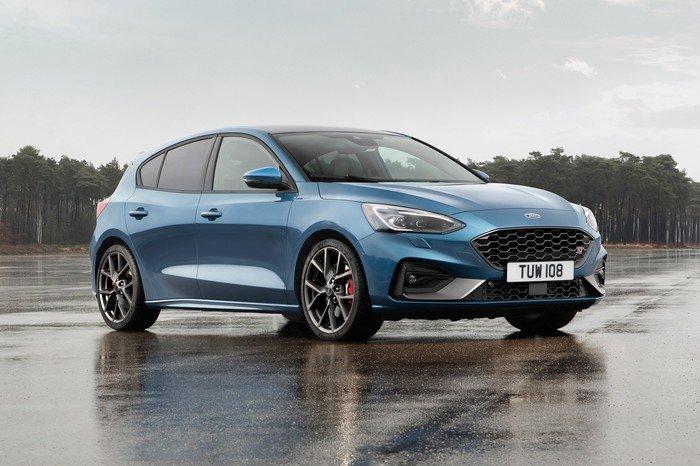 Xe gia đình cỡ nhỏ tốt nhất, đáng sở hữu nhất năm 2019 - Ford Focus.