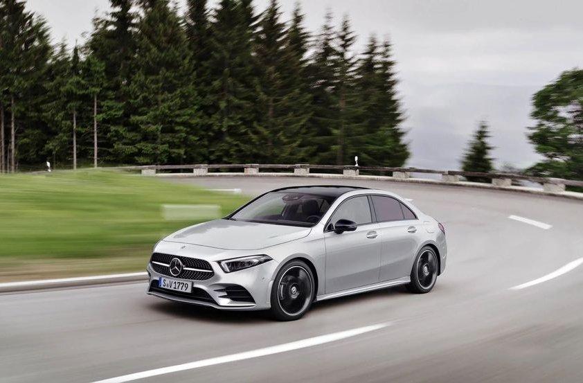 Xe gia đình cỡ nhỏ tốt nhất, đáng sở hữu nhất năm 2019 - Mercedes Aclass.