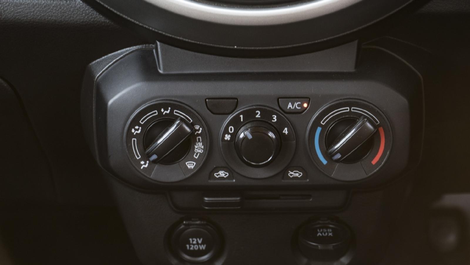 Công tắc điều hoà Suzuki S-Presso 2020