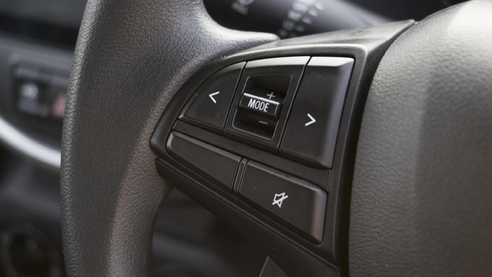 Phím điều khiến vô-lăng Suzuki S-Presso 2020