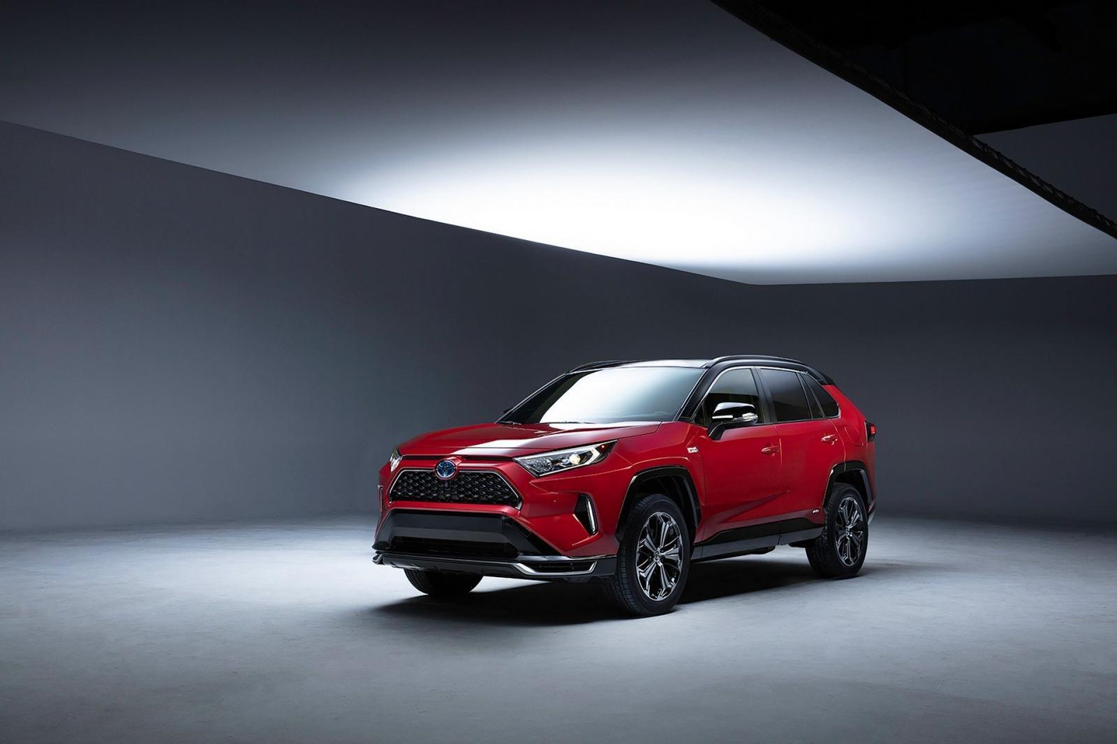 Toyota RAV4 plug-in hybrid 2021 sẽ ra mắt tại Triển lãm Ô tô Los Angeles vào 20/11.