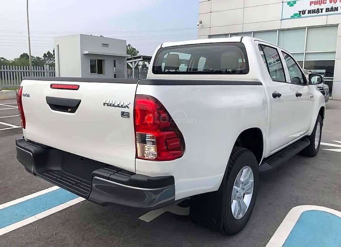 Bán Toyota Hilux 2.4E 4x2 AT năm sản xuất 2019, màu trắng, xe nhập (2)