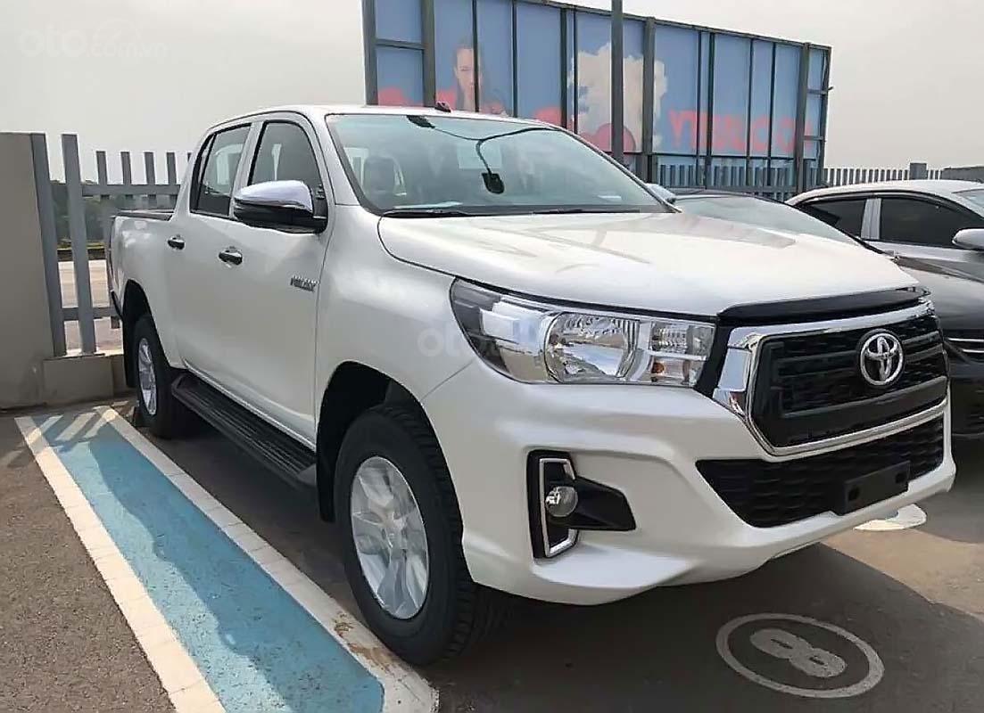 Bán Toyota Hilux 2.4E 4x2 AT năm sản xuất 2019, màu trắng, xe nhập (1)