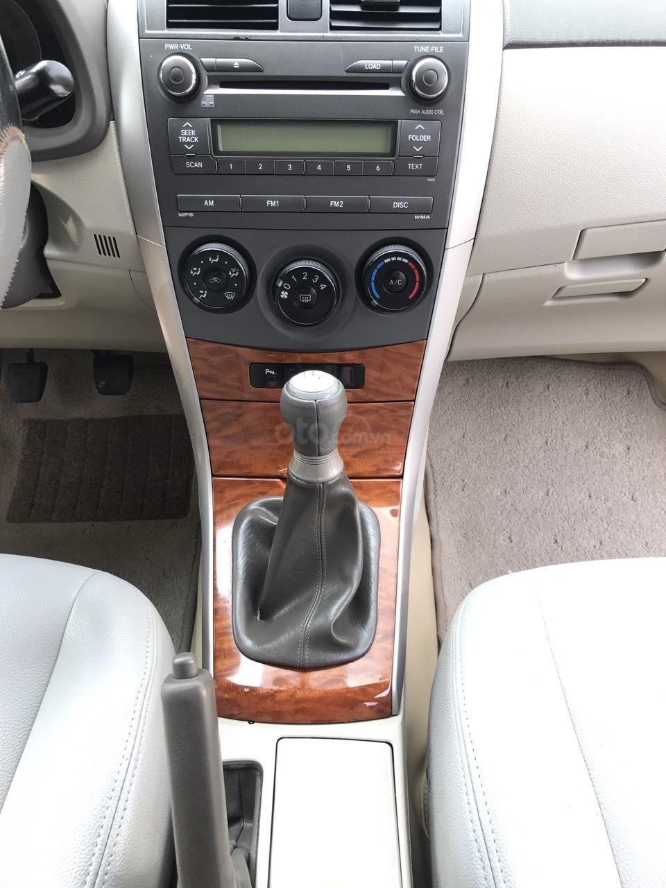 Cần bán Toyota Corolla Altis 1.8G đời 2010, màu đen, chính chủ cán bộ Sóc Sơn (21)