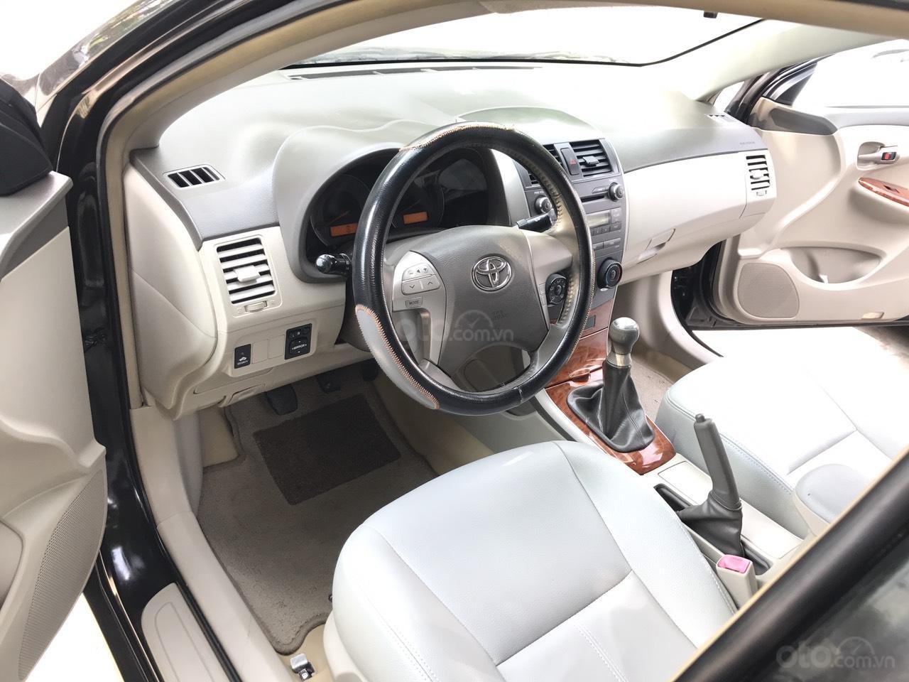 Cần bán Toyota Corolla Altis 1.8G đời 2010, màu đen, chính chủ cán bộ Sóc Sơn (4)