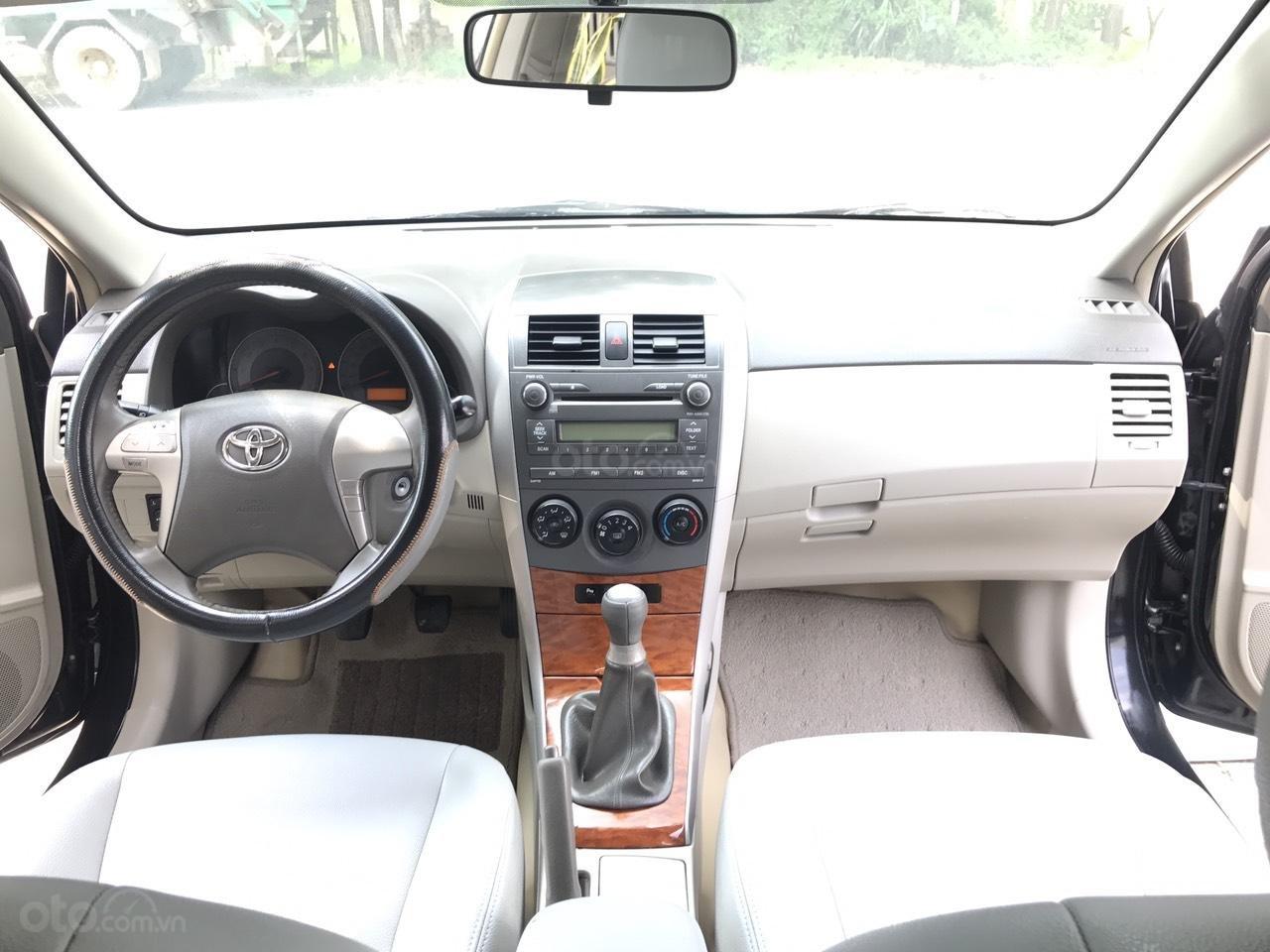 Cần bán Toyota Corolla Altis 1.8G đời 2010, màu đen, chính chủ cán bộ Sóc Sơn (5)