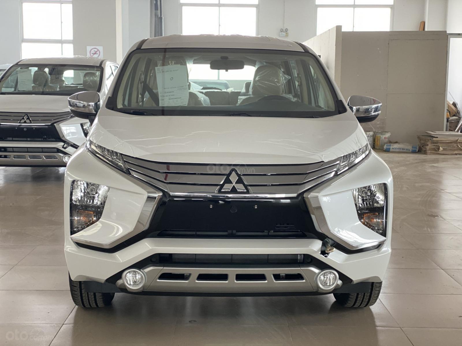 Bán Mitsubishi Xpander AT đời 2019, màu trắng, xe nhập, giá 620tr (1)