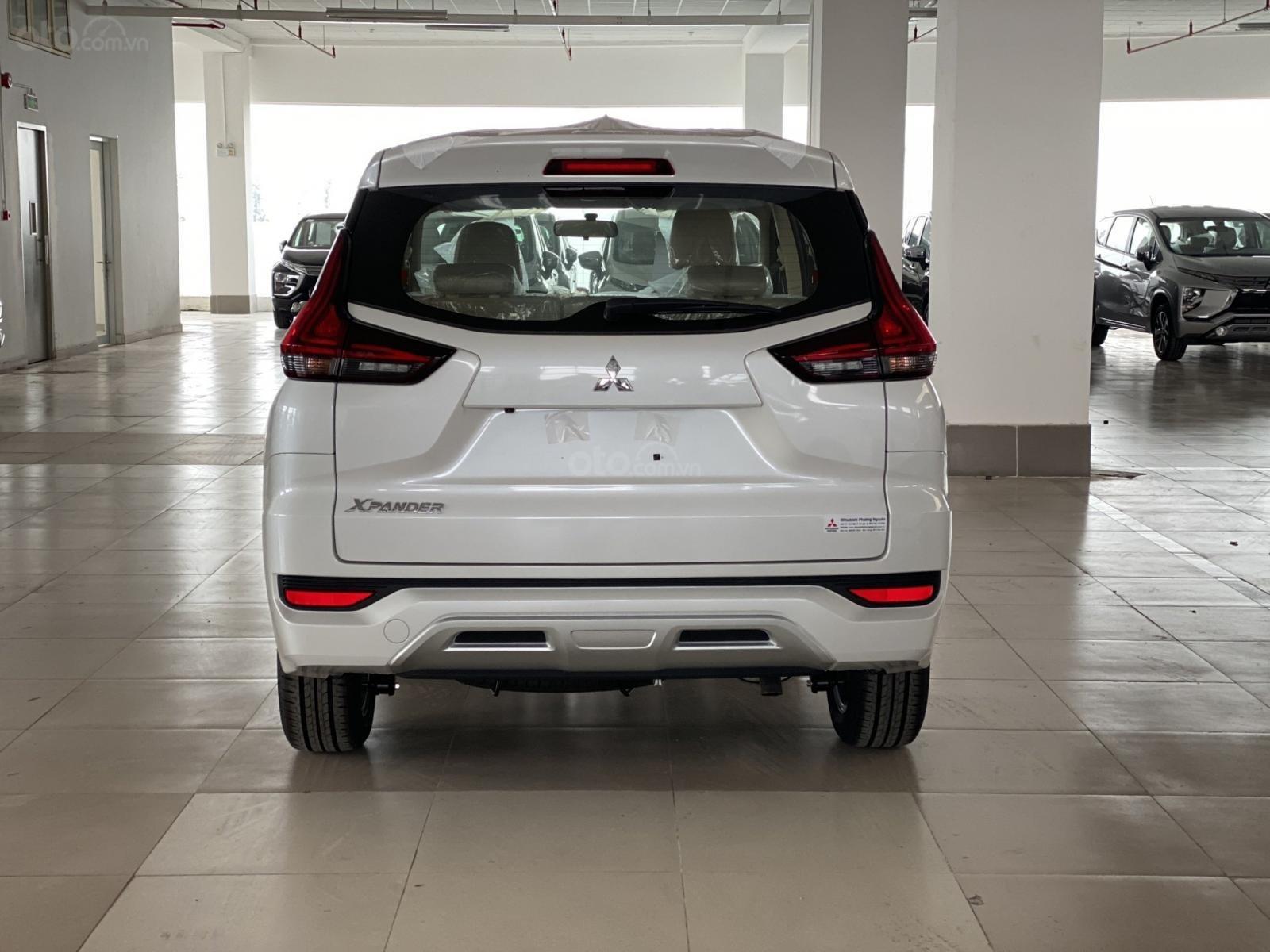 Bán Mitsubishi Xpander AT đời 2019, màu trắng, xe nhập, giá 620tr (3)