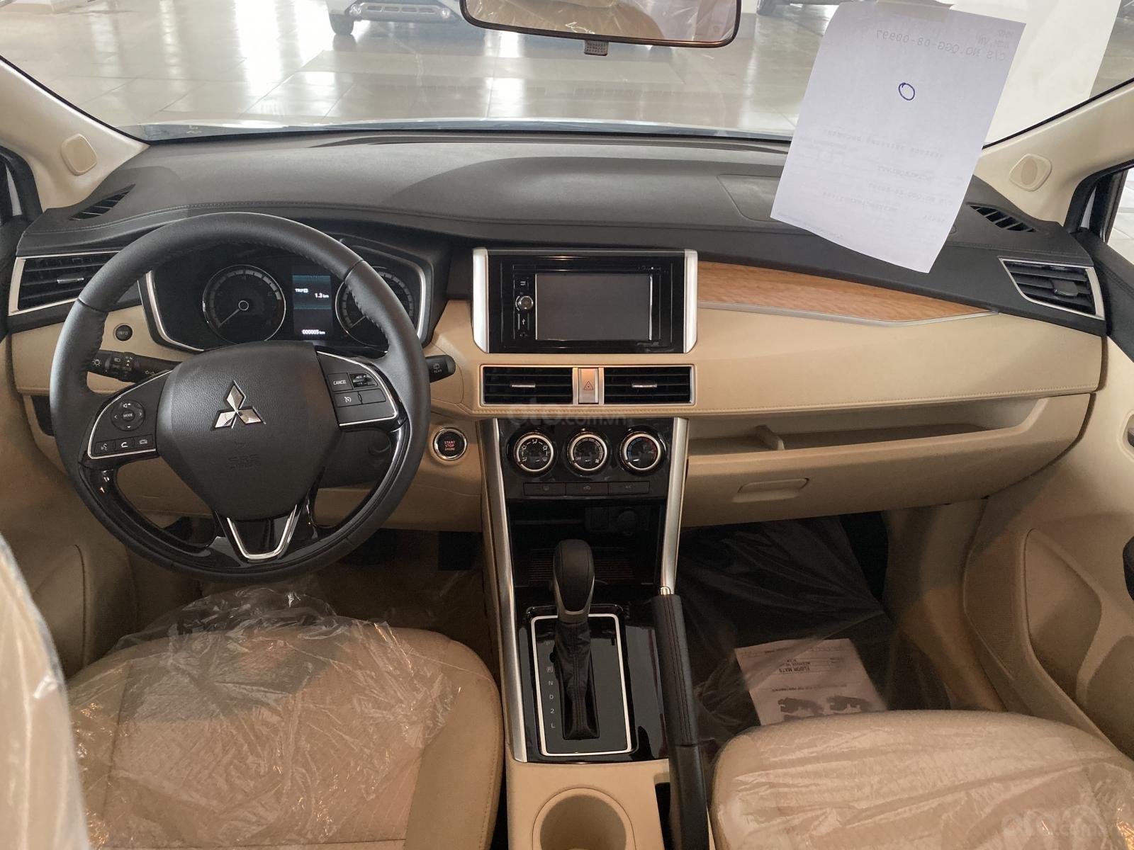 Bán Mitsubishi Xpander AT đời 2019, màu trắng, xe nhập, giá 620tr (4)