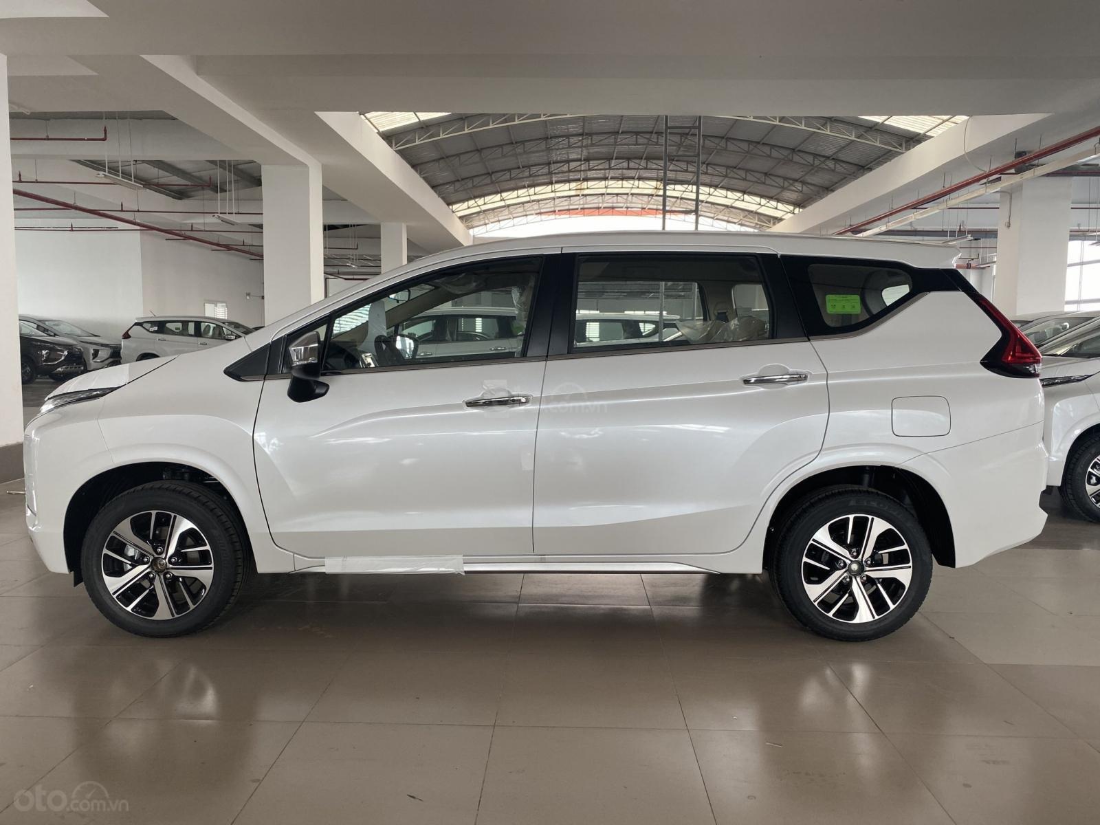 Bán Mitsubishi Xpander AT đời 2019, màu trắng, xe nhập, giá 620tr (5)