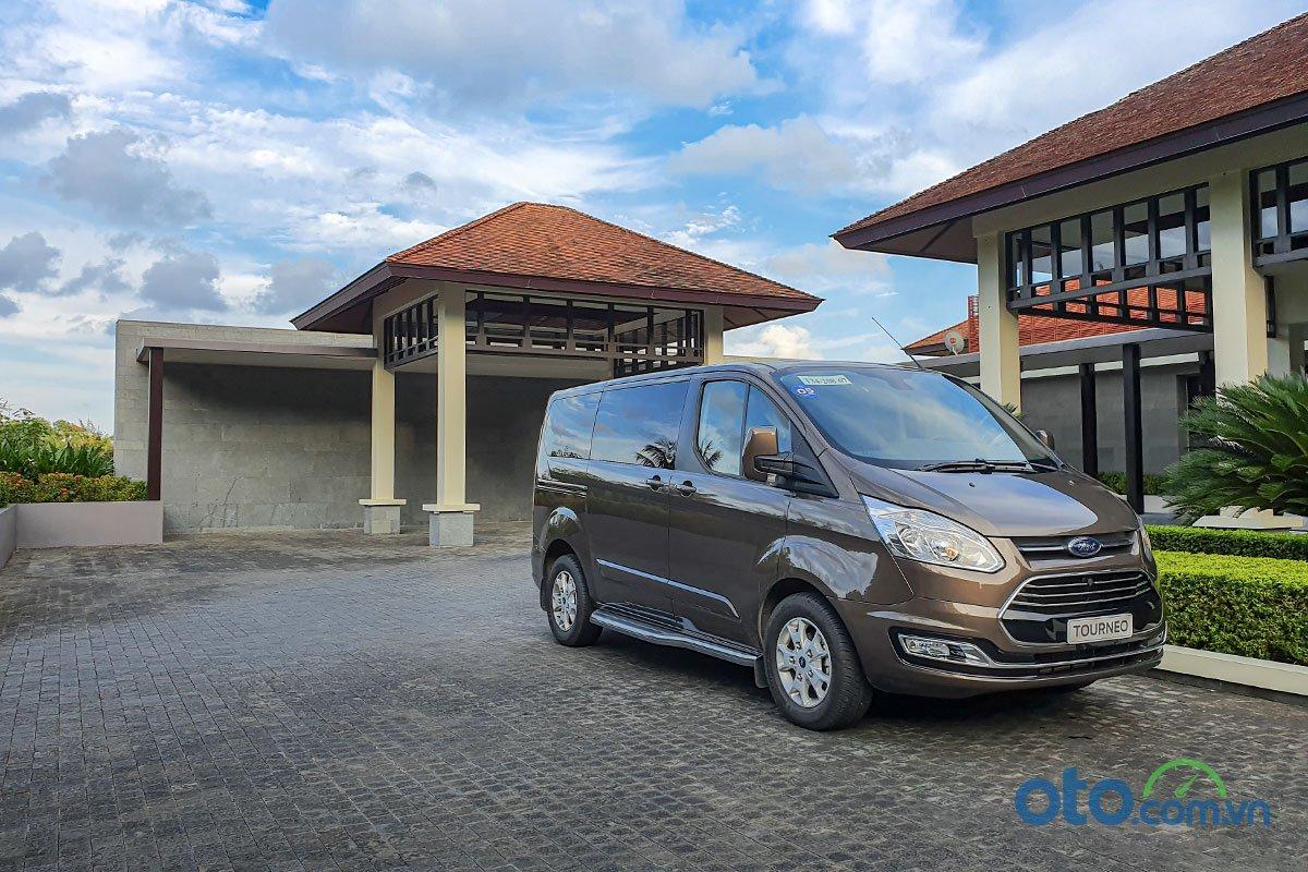 Đánh giá xe Ford Tourneo 2019: Hành trình trải nghiệm Đà Nẵng - Lăng Cô 3.