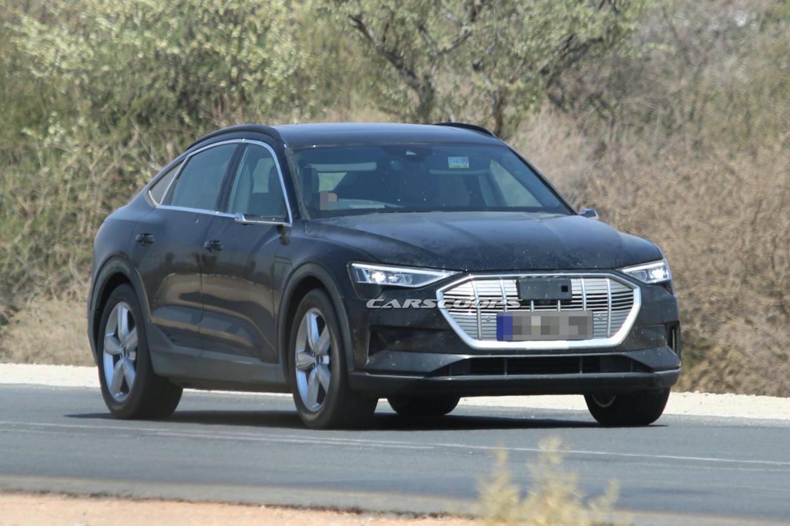 Audi e-tron Sportback 2020 lộ diện không che chắn trên đường.