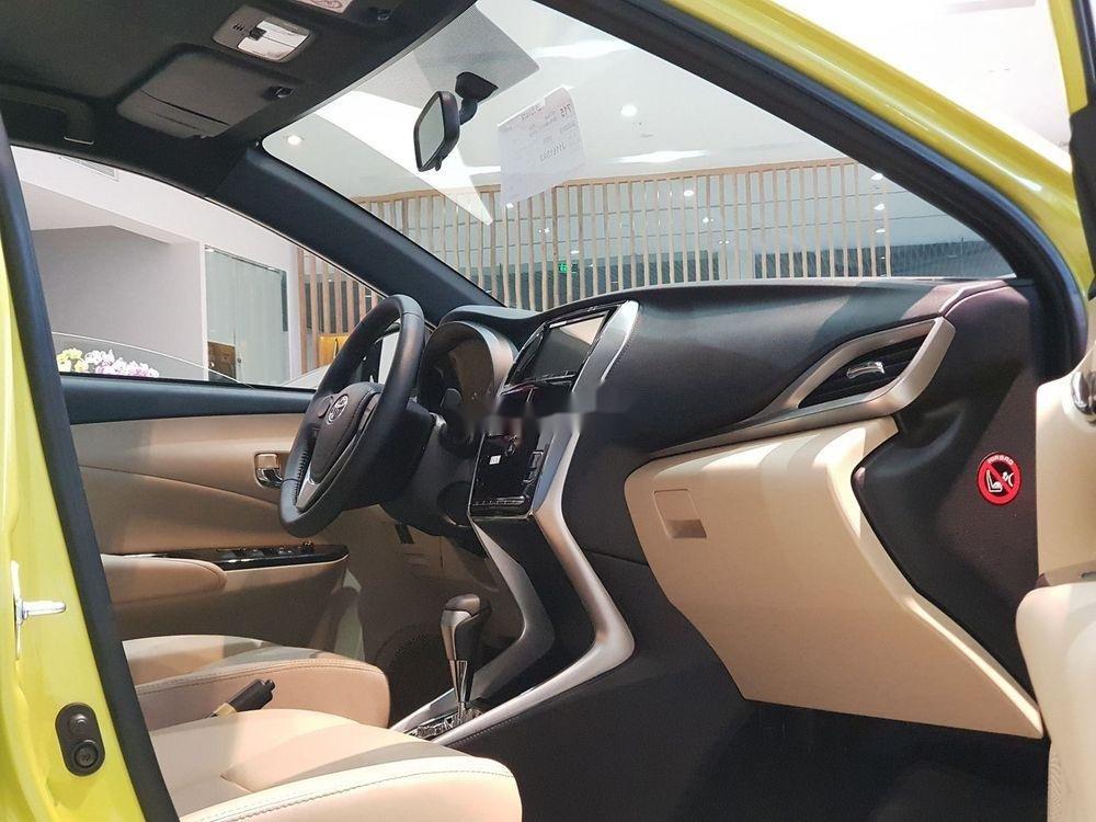 Cần bán Toyota Yaris 2019, màu vàng, nhập khẩu nguyên chiếc (5)