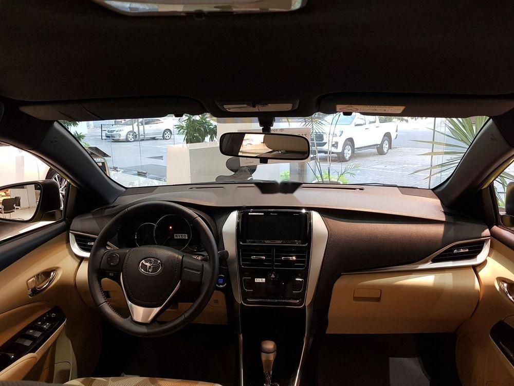 Cần bán Toyota Yaris 2019, màu vàng, nhập khẩu nguyên chiếc (7)