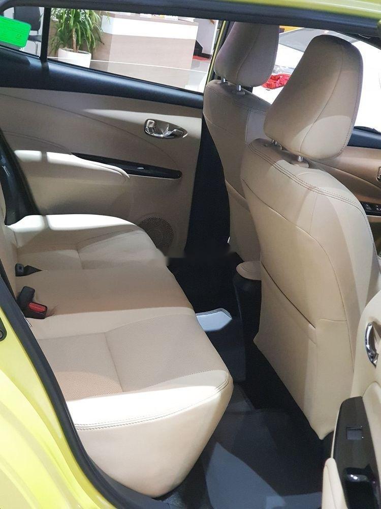 Cần bán Toyota Yaris 2019, màu vàng, nhập khẩu nguyên chiếc (4)